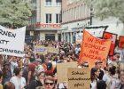 Demonstrierende Menschenmenge