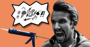 Fluchender Mann mit Silikonpistole