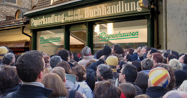 Kunden stürmen auf Grund des Lockdowns die Buchhandlungen